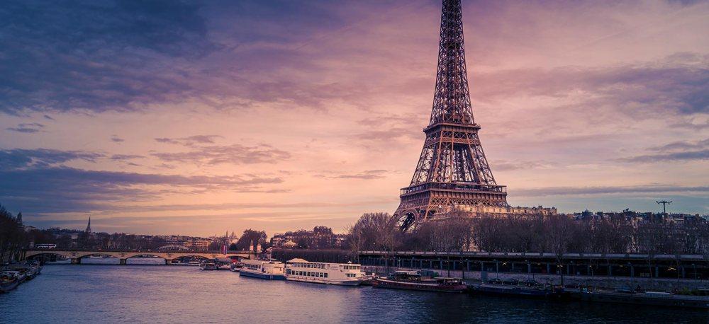 PARIS-1513078302